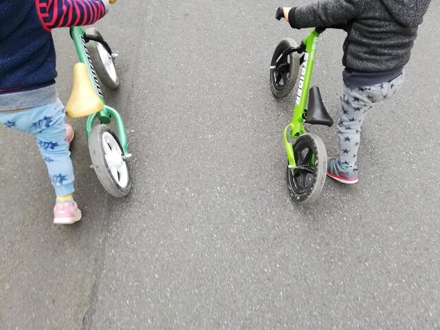 ストライダーと類似品のキックバイクとの違い