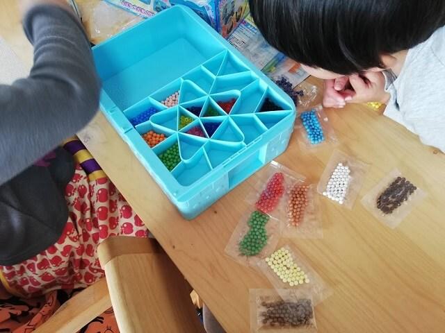 アクアビーズは3歳から遊べる知育おもちゃ