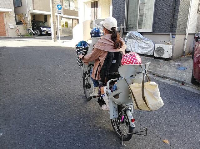 子ども乗せ電動自転車にカゴが必要なママパパ