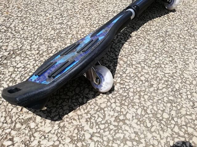 タイヤが光るエスボード