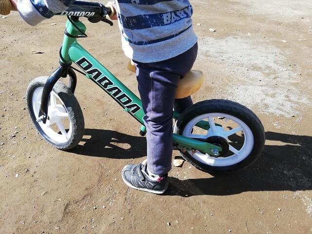いつも乗っているDABADAのキックバイク