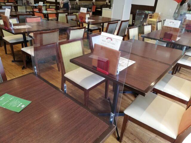 テーブルのアクリル板